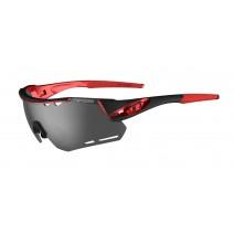 Mắt kính thể thao Tifosi Alliant (black red) (3 tròng kính) (gắn được kính cận) (SKU 1490109701)